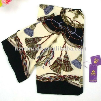 2013 new arrival ! Fashion Silk Square ladies' Scarf