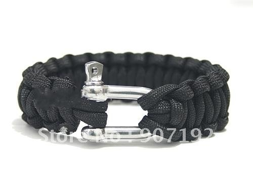 Curved Whistle Buckle http://fr.aliexpress.com/item/100pcs-lot-curved-whistle-buckle-Survival-Bracelet-paracord-bracelets-handmade-of-paratroopers-rope-outdoor-bracelets/466885030.html