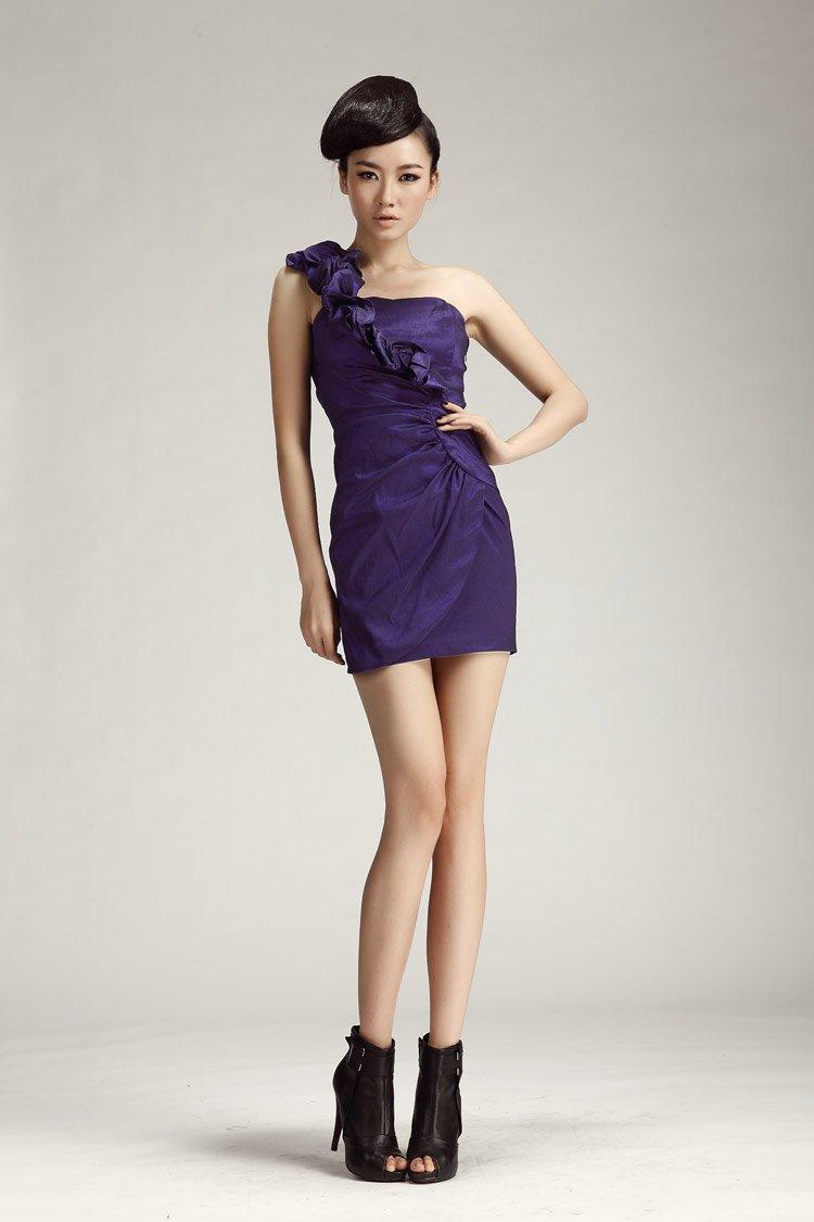 Celebrity Lookalike Prom Dresses 106