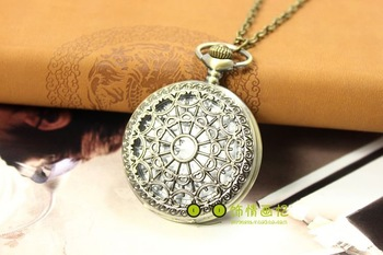 Hot sales and free shipping Retro necklace, the court hollow necklace, watch necklace watch pocket watch