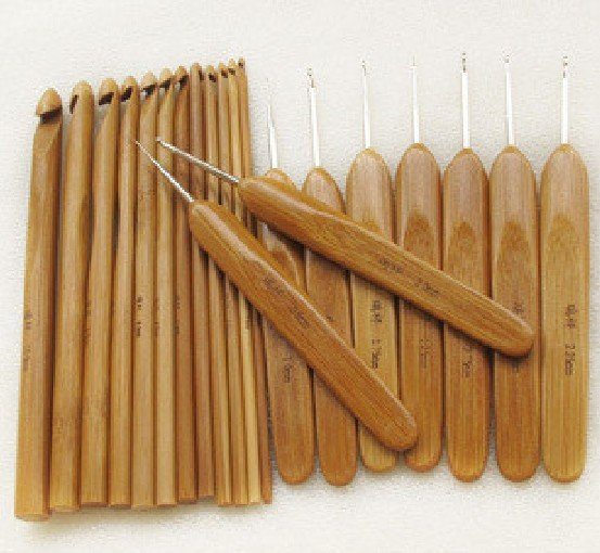 0.5mm~10mm Mixed size weaves tool Bamboo handle Weave crochet hook Totally 22 model Crochets hook(China (Mainland))