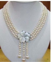 Stunning 3 rows white pearl shell clasp necklace & gift