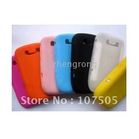 Whosales-Free shipping 200pcs/lot ,silicone case for 8900, silocn case for blackberry