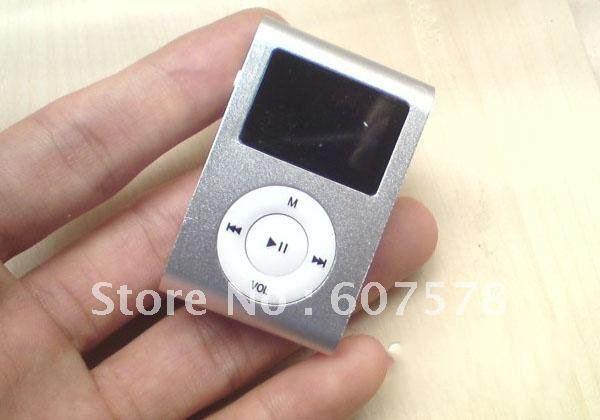 Silver 4GB Metal Clip MP3 Player FM Radio LCD Screen(China (Mainland))