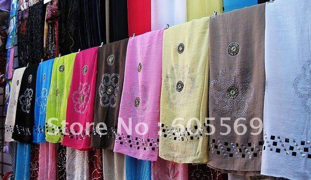 все цены на  Мусульманская одежда The muslim world rs019 accorted  в интернете