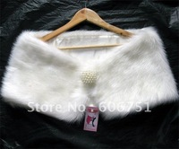 Wholesale ivory faux plush bridal shawl simulate pearl wedding wraps fur lady scarf wedding accessories warmer jacket