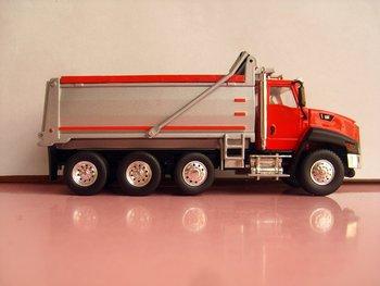 1:50 N-55502 CAT  CT660 Dump Truck