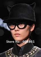 FREE SHIPPING Next Top Model Liu Wen recommended, cat ear shapes, hat.