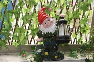 Free Shipping courtyard garden light solar lawn light Resin Dwarfs gift
