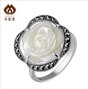 Credit guarantee 100%Christmas 925 pure silver rose flower girl Yintai ring mother-of-pearl free shipping(China (Mainland))