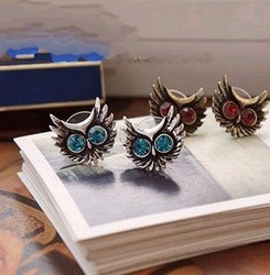 Min.order is $15 (mix order) Promotion fashion big eye owl flashing drill earring 2 colors R2110(China (Mainland))