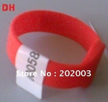 LF 125KHz waterproof silicone RFID wristband tags