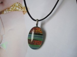 Camofine card color foil crystal.amp ; glass jewelry.lactophrys colorful round necklace.pendant(China (Mainland))