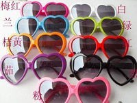 Retail/Wholesale Fashion Sunglasses,Peach-heart Sweet Sunglass,Travel Sunglass.Assorted Color Available.Free Shipping dq3
