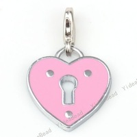 Free shipping /  Wholesale - 20 New Heart shape Alloy Pendants Fit Chains Necklace handmake Craft handbage purse 220098