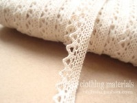 cotton lace ,NATURE COLOR,1.4cm width ,MOQ is 30 yards ,100% cotton,support small buyer