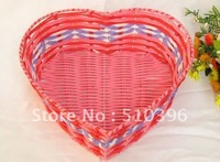 Plastic rattan storage basket /Willow storage box /Fruit basket //Pastoral style cute heart-shaped storage basket free shipping.
