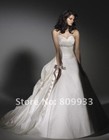The high quality of the 2012 new luxurious satin strapless sweetheart neckline of a long tail of the bride wedding