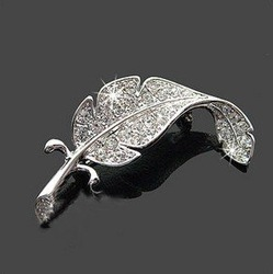 12pcs Free Shipping Fashion Jewelry Leaf Brooch Crystal Brooch Jewelry Leaf Shaped Crystal Silver Tone Brooch(China (Mainland))
