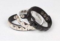 Fashion PU Leather Punk Rivets Bracelet Jewelry / 2 Color Gift Wristband  (SW-82)