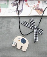 Min Order $20 (mixed order) Retail Fashion Wooden Elephant Gift Necklace Jewelry With Scotland Bowknot  (SW-45)