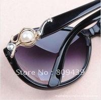 10Pcs/lot Wholesale Women Retro Sunglasses hot sale Lucky Pearl Sunglasses Free shipping