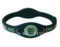 Explosion models silicone soccer bracelet the new England football bracelet pin explosion!