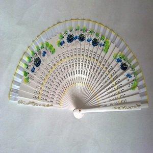 FREE SHIPPING+Elegant Folding White Sandalwood Fan Favors+100pcs/Lot