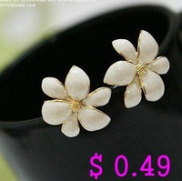 Min.order is $10 (mix order) Fashion Earring.Metal Flower Stud Earrings Crystal Earring Free shipping Ke060