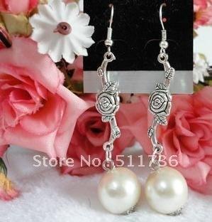 Hot selling !!!!classic vintage erring fashion pearl  design!12pairs/dozen