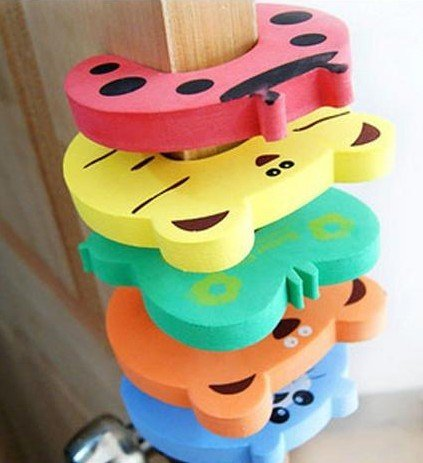 Wholesale - Baby Safety Finger Pinch Guard Door Stopper ,children gate card safey product ,animails door stoper(China (Mainland))