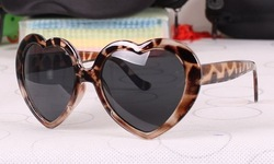 1pcs free shipping Party Sunglasses Red Love Heart Costume Glasses Fashion Promotion SunGlasses