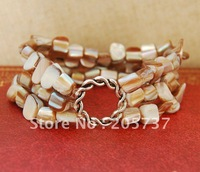 "7"" Vintage Triple String Shell Stretch Bracelet"