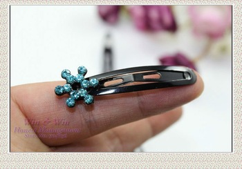 FREE SHIPPING blended color 4.5 cm in length black alloy with crystals pasted cute lady flower BB hairgrips H0045