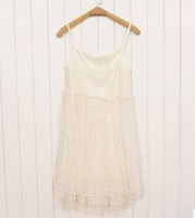 2011 new Autumn harness bottoming Lace Tee Dress