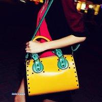 The new Korean version of the Boston package rivet handbag Messenger