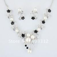 2012 Fashion Black Pearl Jewelry set Necklace Earrings