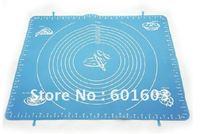 wholesale-Small Size 29*26cm Heat-resistent Soft Oven Avilable Non-stick Flexible FDA Scale Silicone Baking Mat