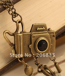 Min.order is $10 (mix order) New Top Hot Antique STYLE Bronze Tone Retro Camera Necklace Pendant(China (Mainland))
