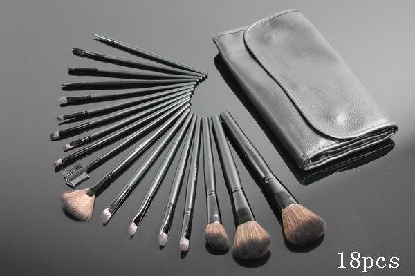 Man Woman Exquisite FOR naps 18 pcs Studio Protable Make Up Cosmetic Brush Free shipping Set Kit Leather Case(China (Mainland))
