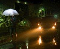 2014 new type LED umbrella with luminous creative flashlight