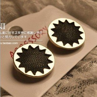 Fashion Black leather Gold metal Sun Flower Earrings Lady Stud earrings 5colors  Min.order $15 mix order EE23300