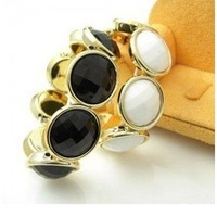 Free shipping  Fashion Jewelry  acrylic ball girl women's   bangle   black and white 8pcs/lot