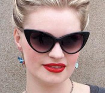 Elvis vintage sunglasses cat-eye style sunglasses 77042. US$ 9.32/piece