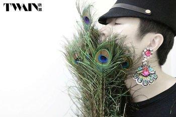 TWAIN handmade 'female jenn-air' series earrings-PND tail on one