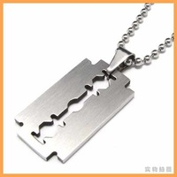 Free Shipping Fashion jewelry Slippy Razor Blades Pendant 316L Stainless Steel Titanium Steel Mens Necklaces 07566