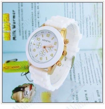 2012 New Style Geneva Crystal Classic Quartz Silicone Band Wrist Watch 10 Colors Geneva silicone watch 20pcs/Lot freeshipping