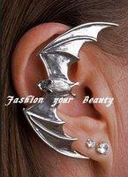 Hot!! 2015 Newest Fashion Earrings Jewelry Metal Gold/Black Bat Ear Cuff (E184)