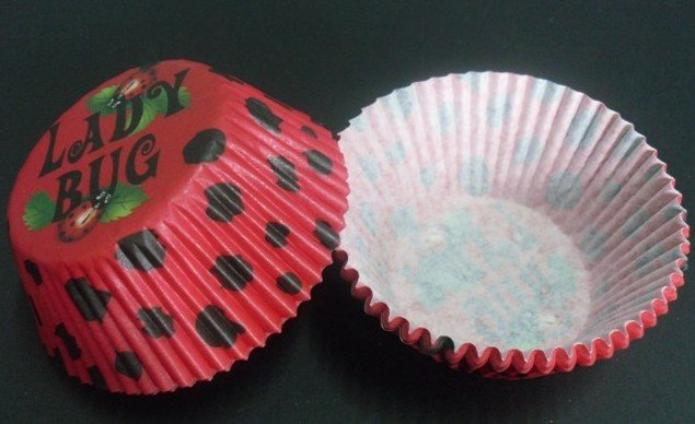 free shipping 2012 500pcs ladybug with black dot red color baking paper cup muffin cases for party(China (Mainland))