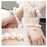 Europe and the United States joker strawberry ball pearl bracelet manufacturers selling value for women